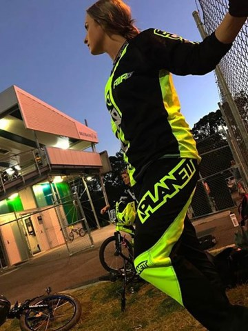 Air8-Neon-Yellow-Pant